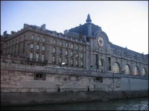 Il museo di Orsay visto dalla Senna